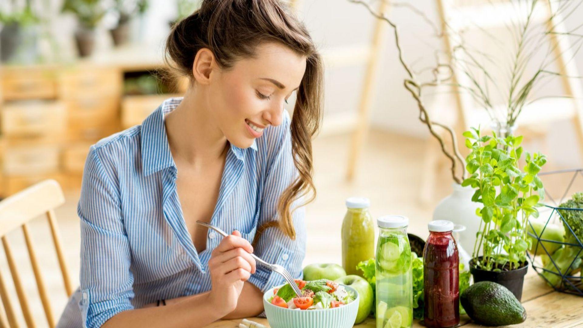 Полезните храни и напитки, които да приемате това лято