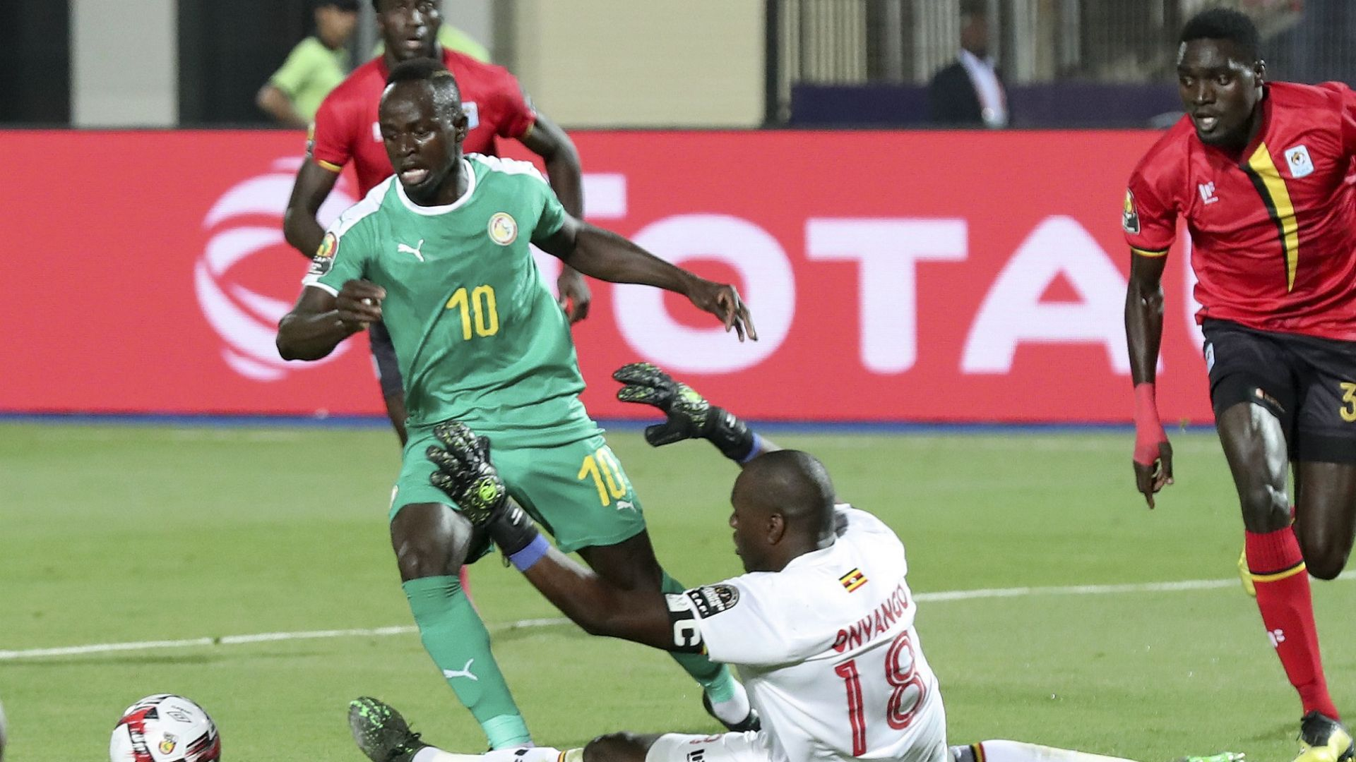 Мане поведе Сенегал напред, а звезда на Аякс провали Мароко
