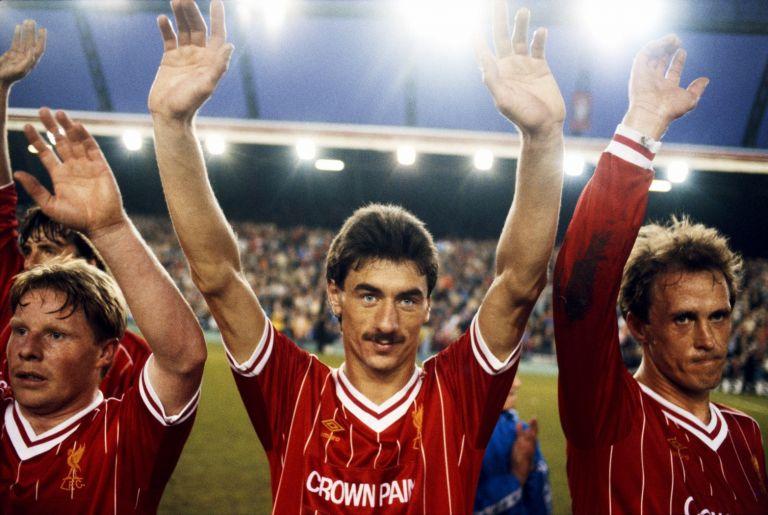 """Иан Ръш - легендата на Ливърпул дойде в клуба от Честър   през 1980-а и струваше около 300 хиляди паунда. Вкара   200 гола за мърсисайдци и се превърна в легенда. В   последствия Ювентус го закупи за малко повече от 3   милиона паунда, но там той не успя да се адаптира.   Завърна се в Ливърпул и преди да се пенсионира през   1996-а вече имаше 346 гола зс клуба от """"Анфийлд""""."""