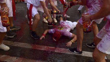 Фестивалът Сан Фермин в Памплона започна - 9 дни надбягване с бикове и пиршества (снимки)