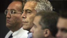 Богат финансист и сексуален престъпник арестуван на летище в Ню Йорк