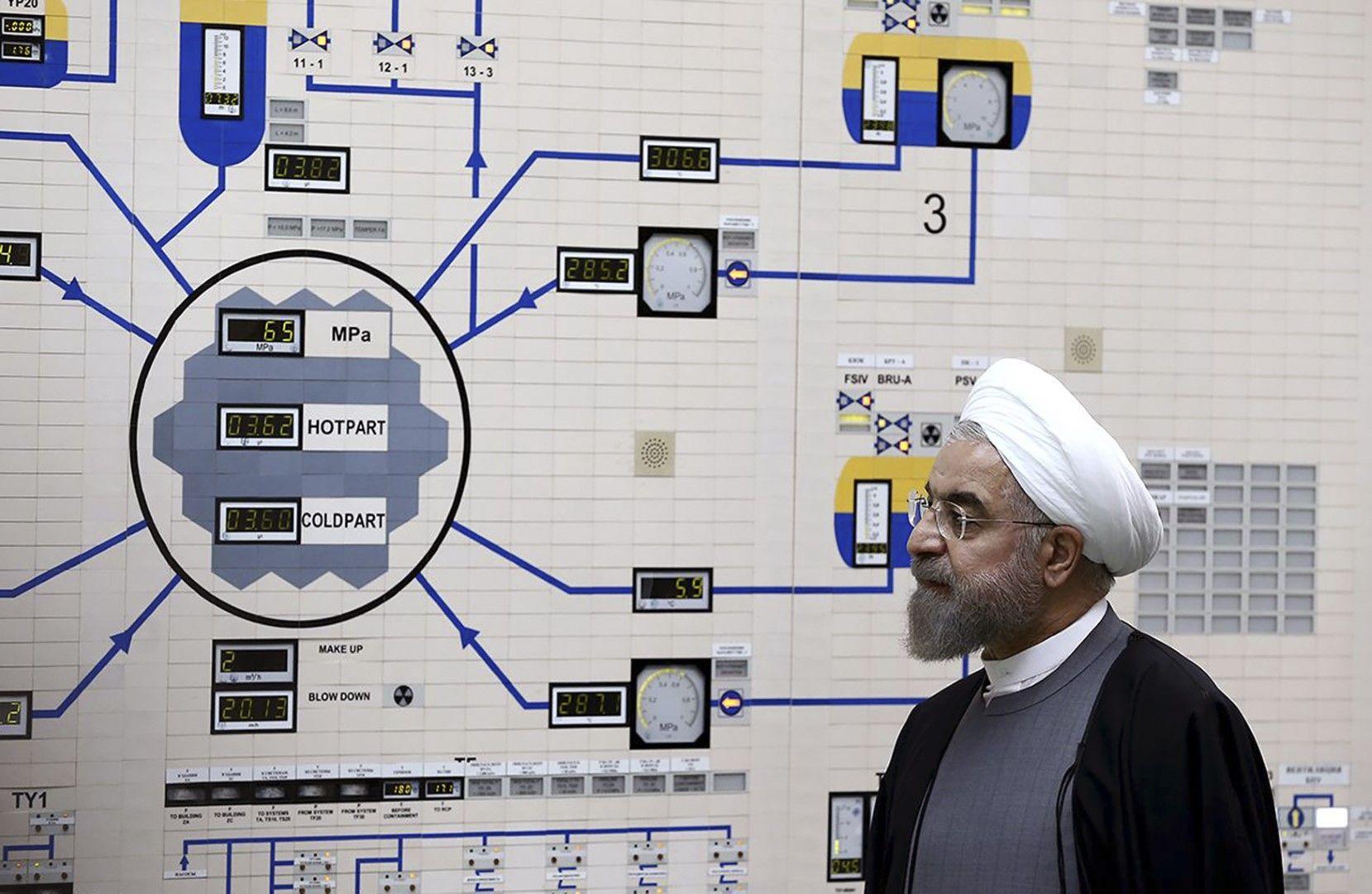 """Иранският президент Хасан Рохани на посещение в АЕЦ """"Бушер"""", 13 януари 2015 г."""
