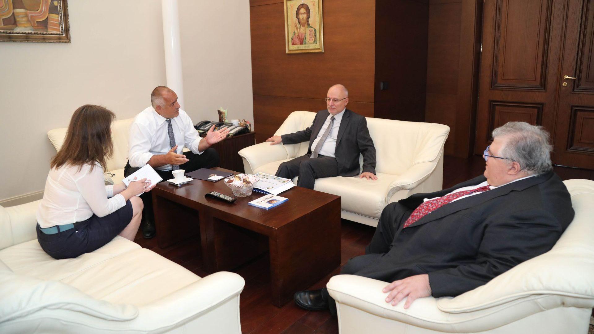 Премиерът и управителят на БНБ обсъдиха глобални въпроси с началника на Банката за международни разплащания