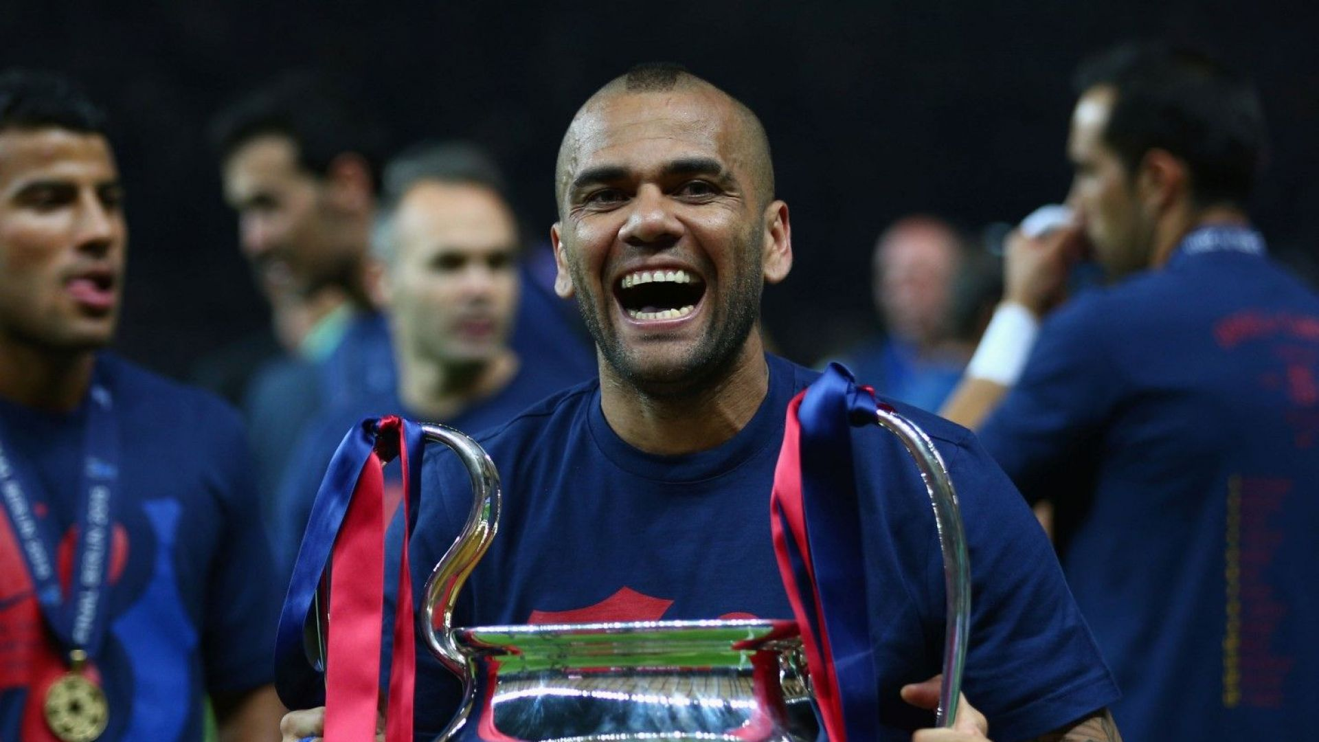 Дани Алвеш: От Барселона нямаха топки да признаят, че сбъркаха с мен