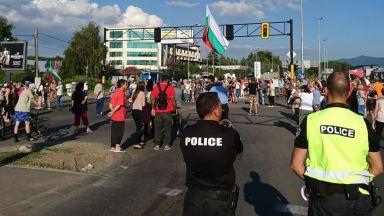 """Нови блокади на """"Цариградско шосе"""" всяка делнична вечер (видео)"""