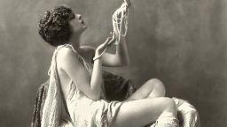 """""""Момичетата на Зигфелд"""": най-сексапилните актриси на Бродуей през 1920-те години"""