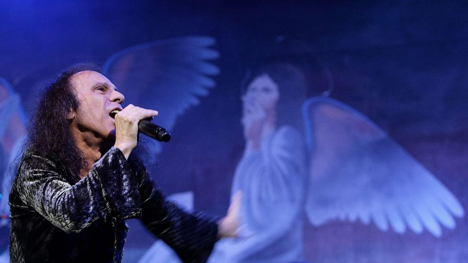 10 години от смъртта на Дио... Да живее Дио! 10 от най-яките парчета в негово изпълнение