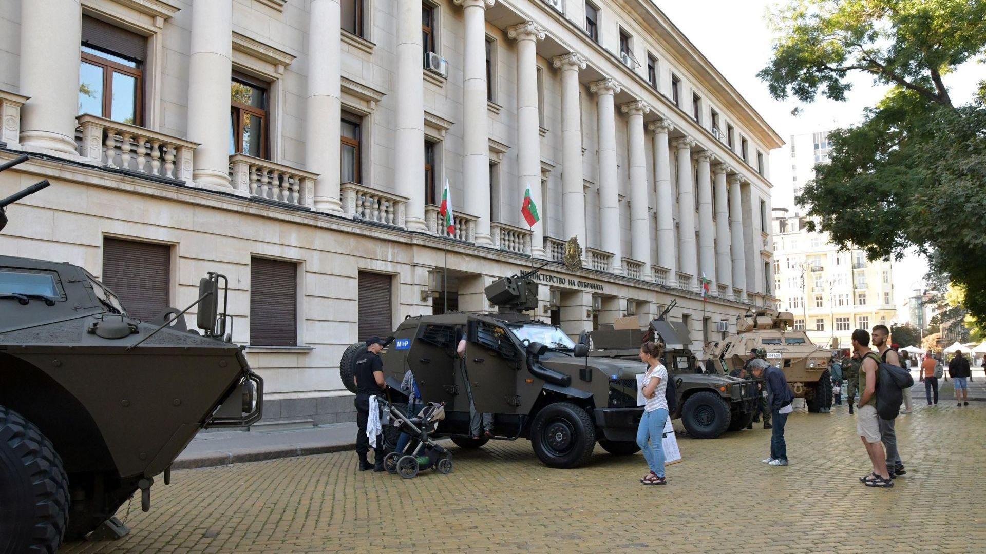 Цивилен вече ще може да оглави военното разузнаване