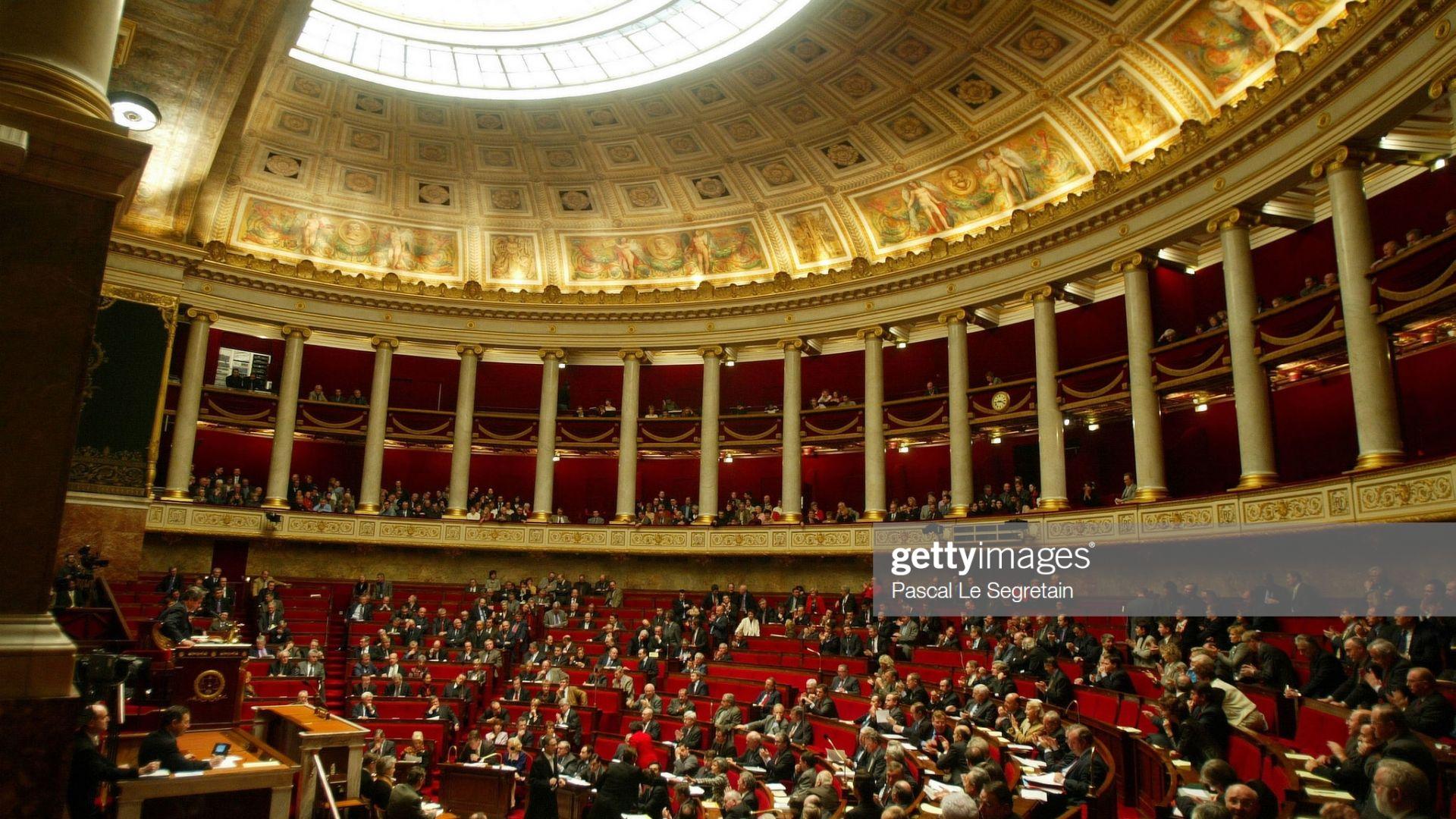 Франция прие закон за борба  с езика на омразата в интернет