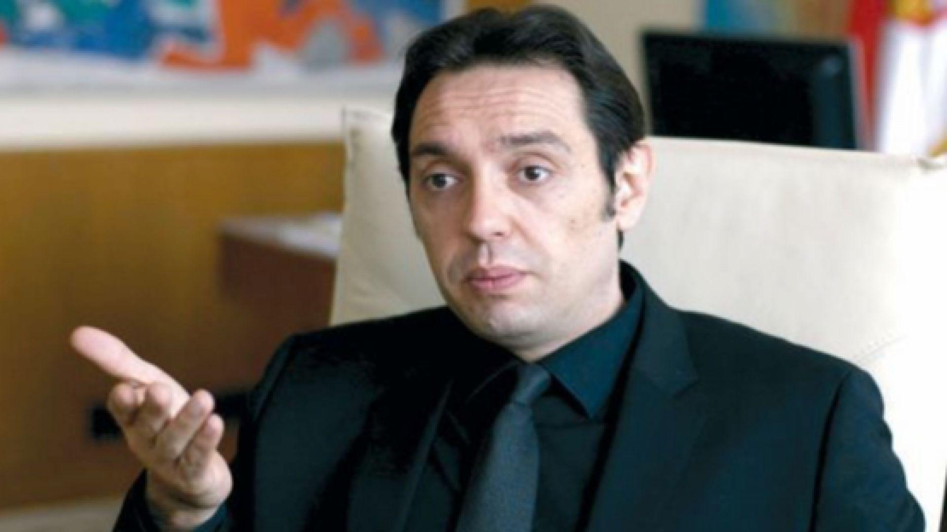 Не пуснаха сръбския министър на отбраната да влезе в Косово