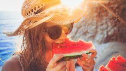 Диня на грил? Кои са подходящите плодове за лятото
