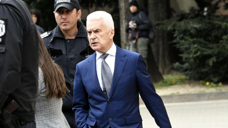 Застрашено ли е управлението на страната след свалянето на Сидеров?