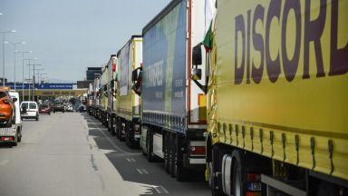 Спират продажбата на месечни винетки за камиони над 3,5 тона