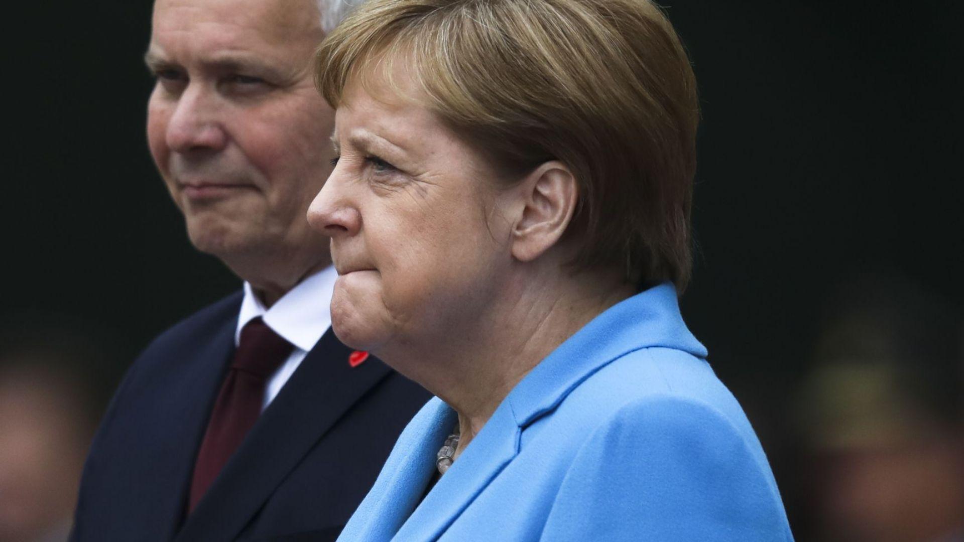 Меркел се разтрепери за трети път в рамките на месец (видео)