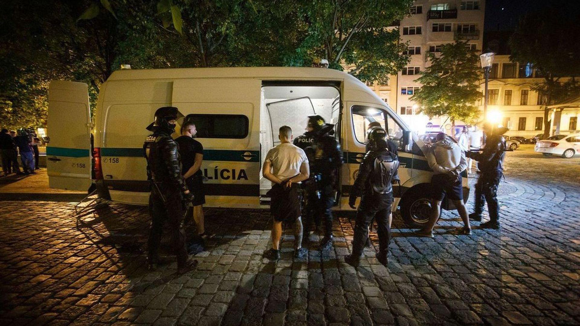 До 6 години затвор застрашават участници в боя в Братислава
