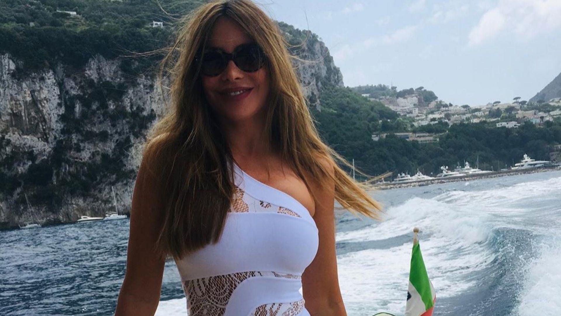 София Вергара отпразнува 47 на остров Капри