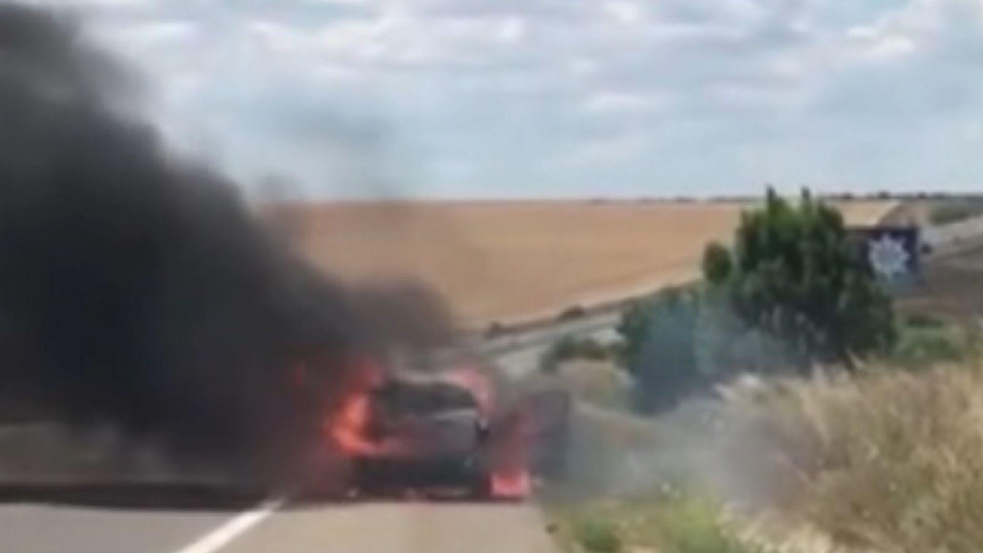 """Кола се запали в движение на АМ """"Тракия"""""""