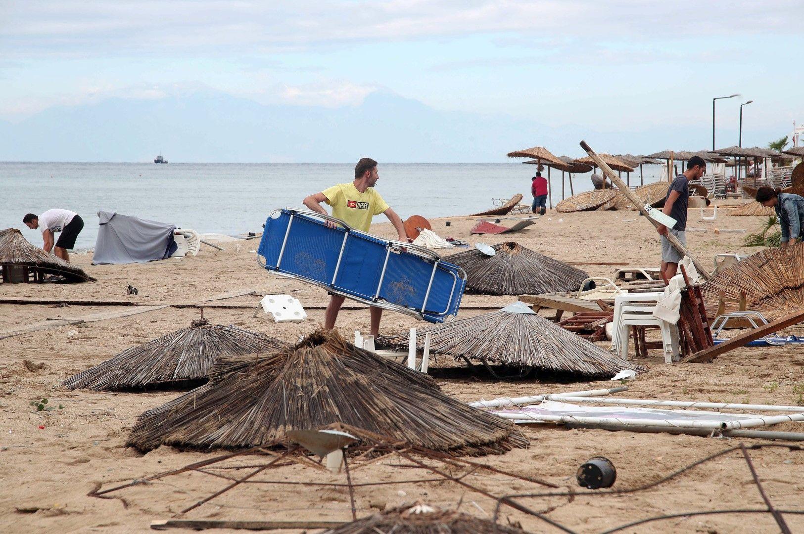 Опустошен плаж на Халкидики