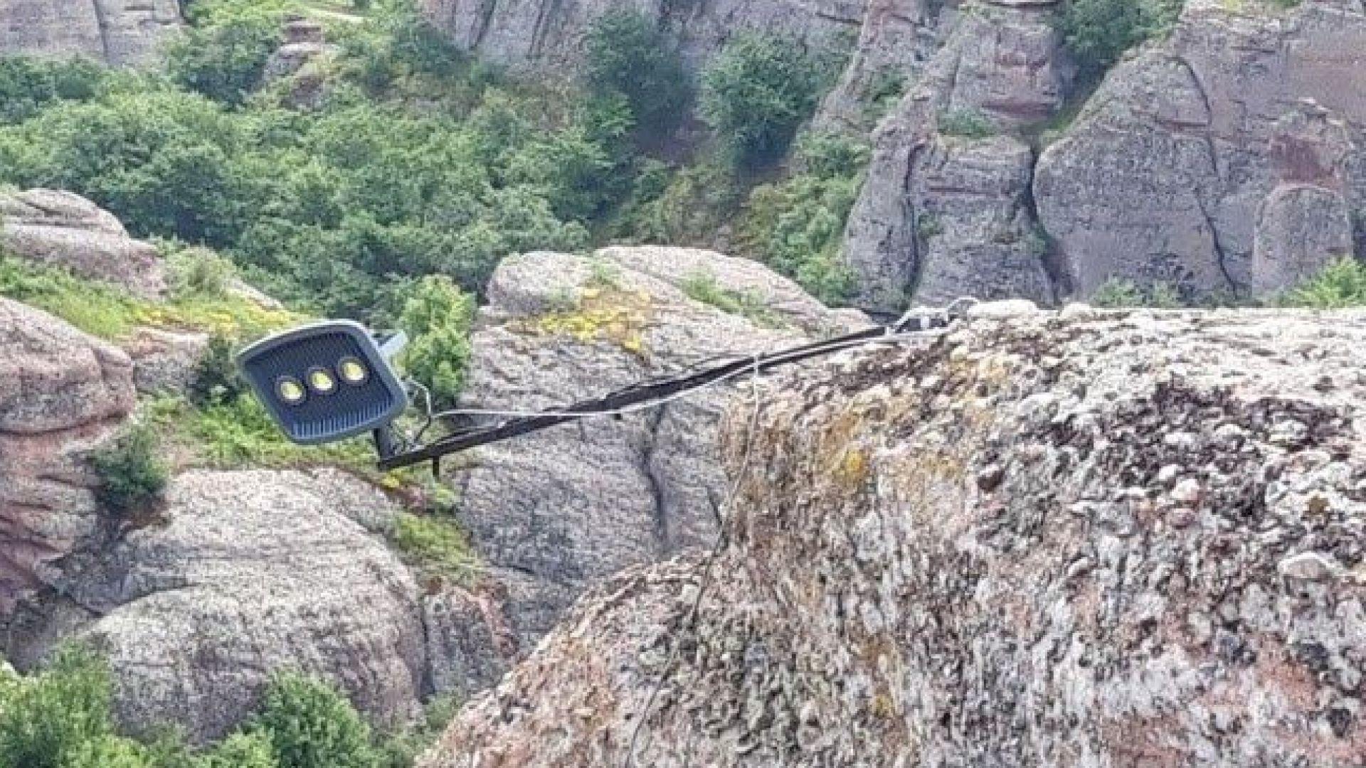 Министър Банов разпореди спешна проверка на Белоградчишките скали