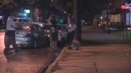 Тълпа преби до смърт американец, откраднал кола с 3 деца в нея (видео)