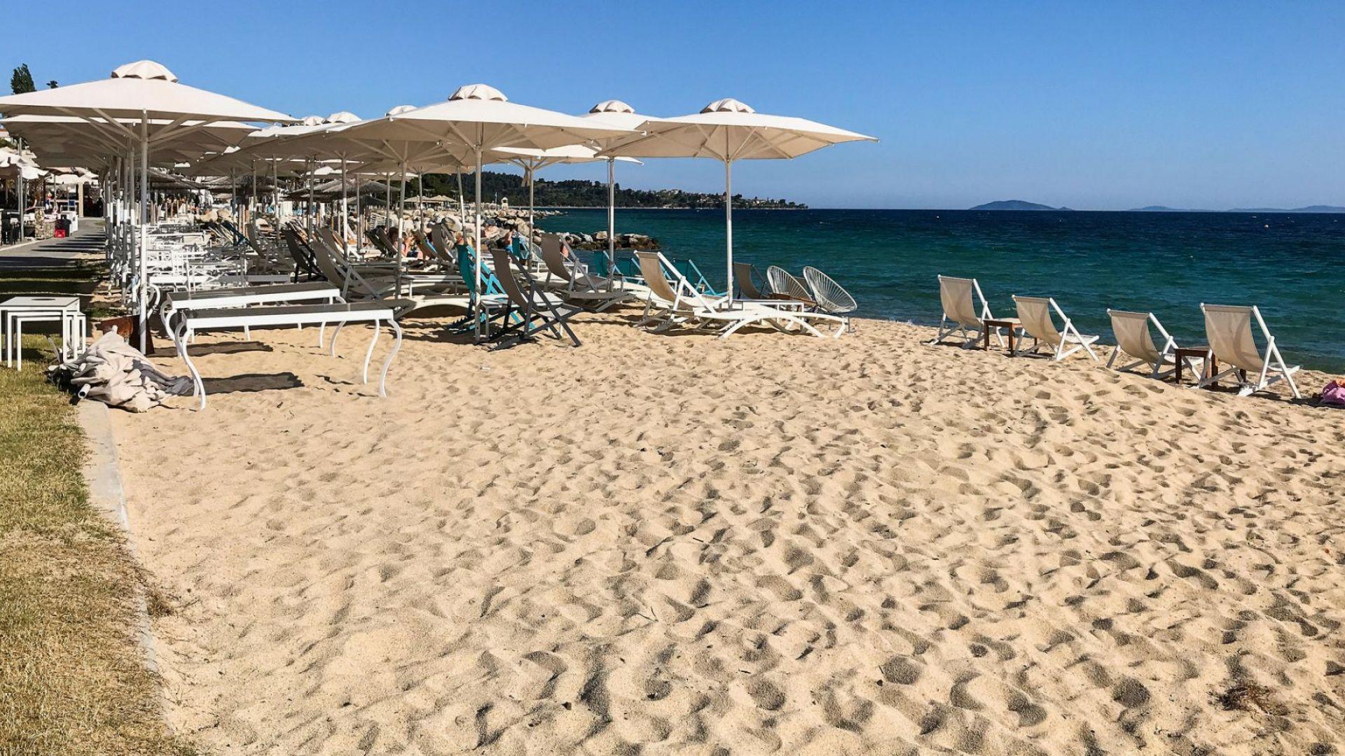Семейство запази хотел край морето в Гърция, а получи вила на 1 час от плажа