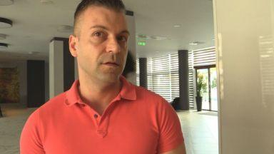 Хотелиерът от клипа с израелски туристи: Съжалявам и се извинявам (видео)