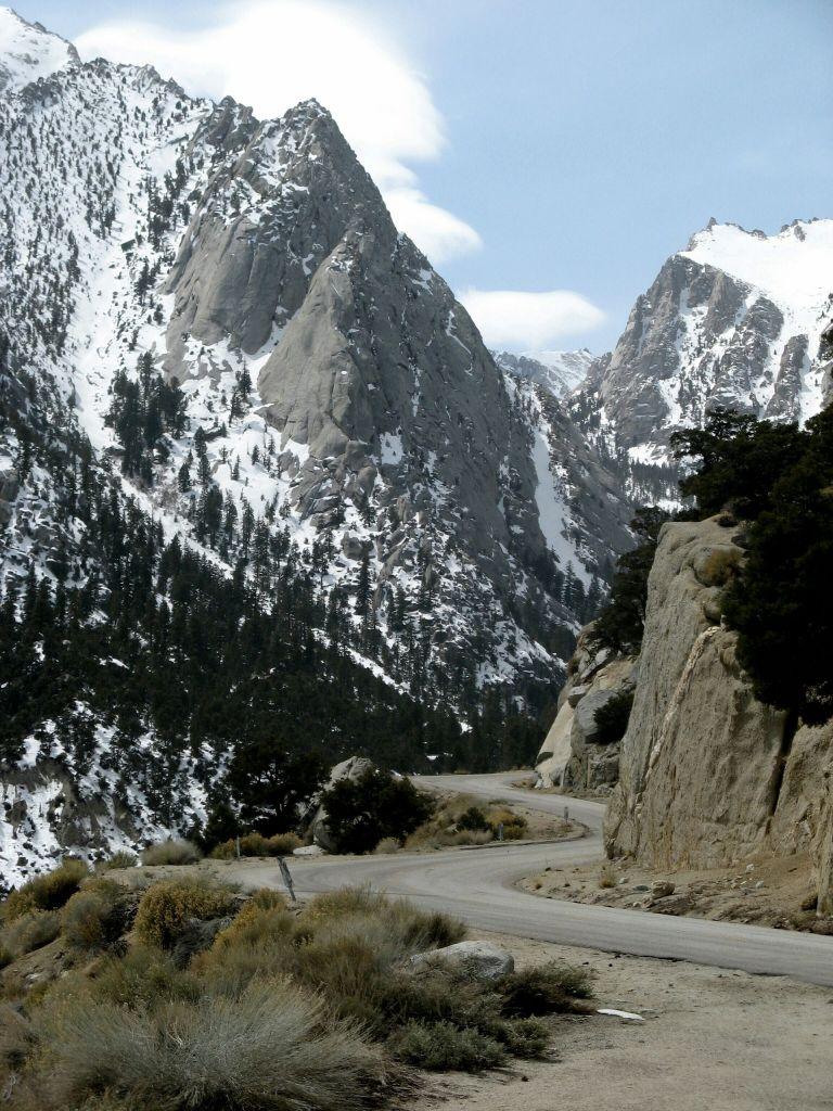 Финалът е в местността Whitney Portal - входът към планината Уитни