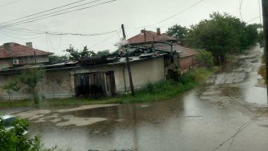 Пловдивското село Белозем под вода