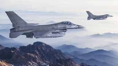 Кабинетът ще актуализира бюджета заради покупката на осемте Ф-16