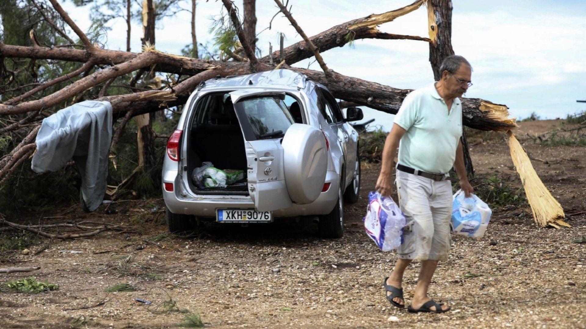 В плен на лошото време: отново силни дъждове и градушки в Гърция