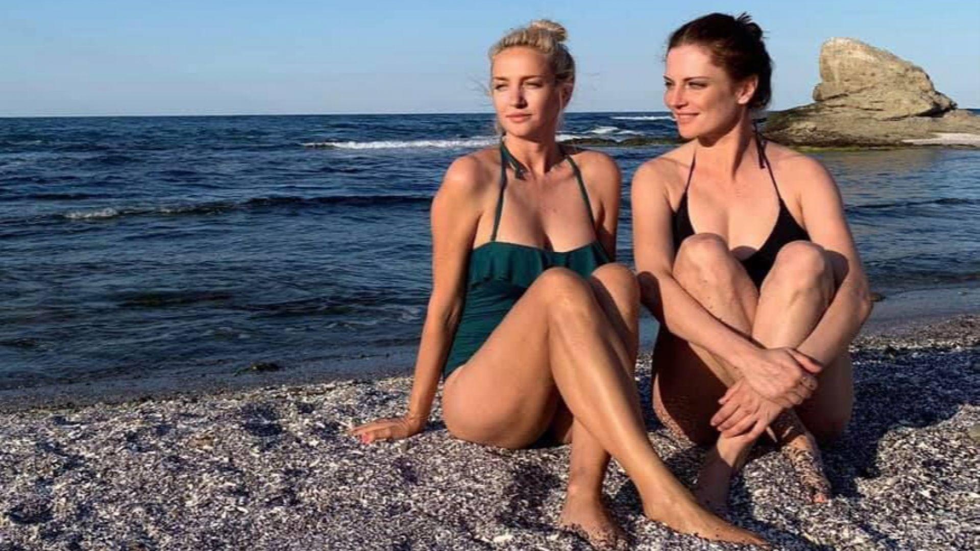Теодора Духовникова и Диана Алексиева заедно на морето