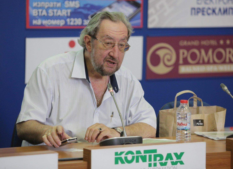 Юлий Павлов: Целта на партиите е да накарат повече от твърдо решилите да гласуват, наистина да го направят