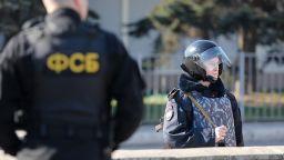 Арестуваха руски военен, шпионирал в полза на Украйна