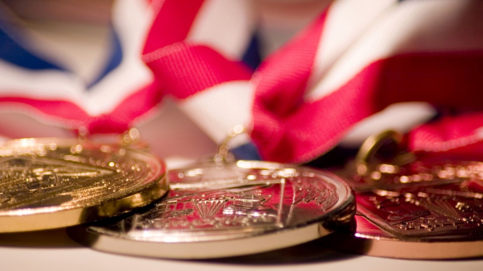 С пет медала се завърна българският отбор от международната олимпиада по физика