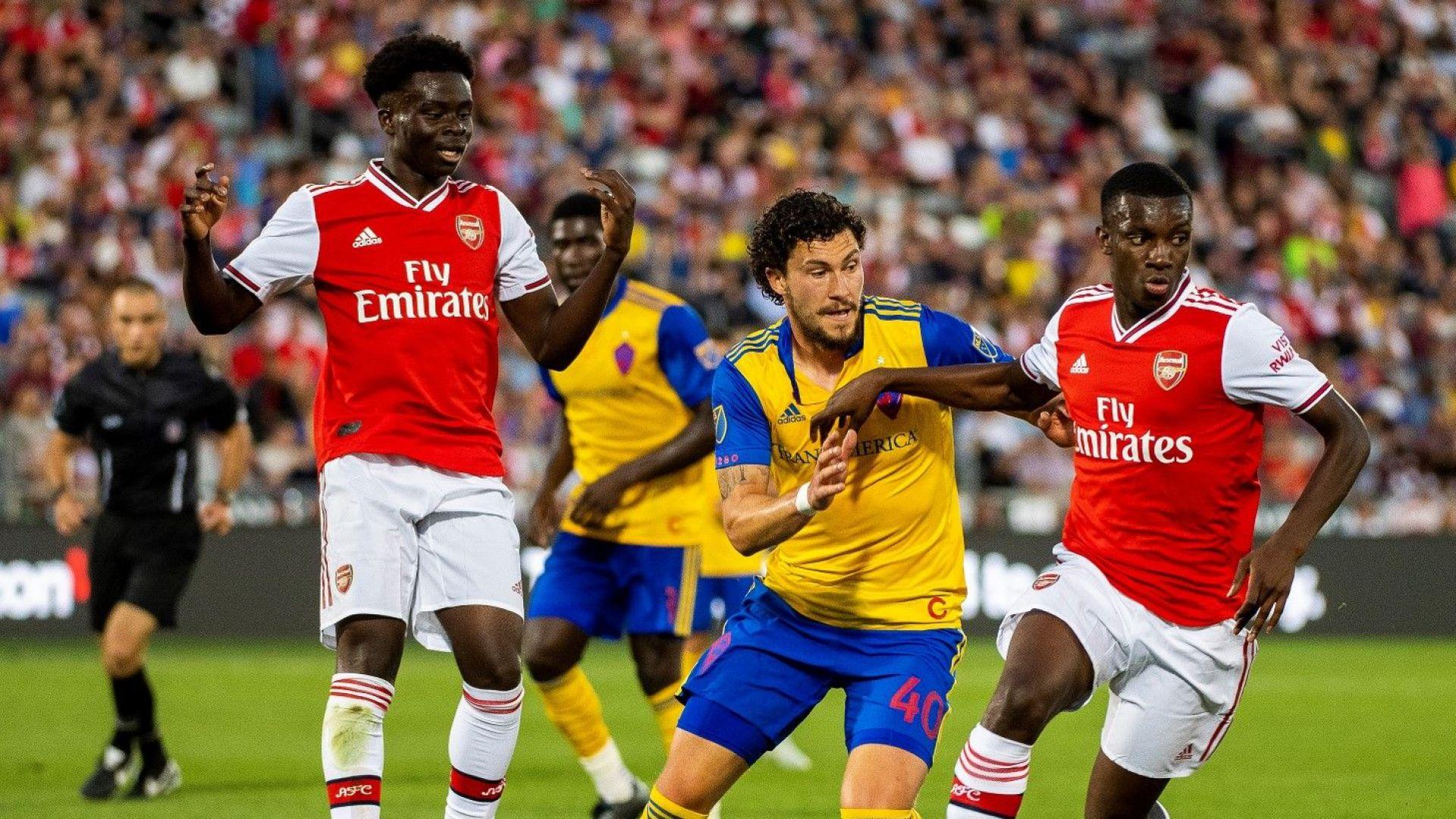 Тийнейджъри блестят за Арсенал в първата контрола