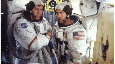 """Отбелязваме 50-годишнината от кацането на Луната със сериала """"От Земята до Луната"""""""