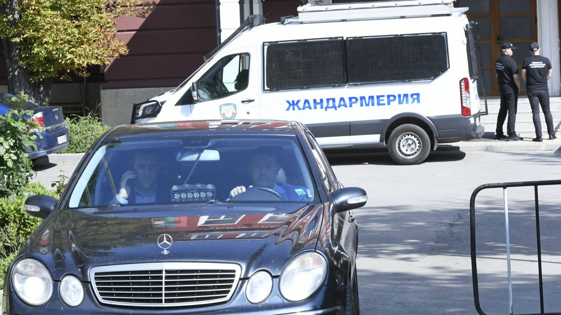 Мирослав Найденов за арестите: Има опасност Брюксел да отнеме акредитацията на ДФЗ