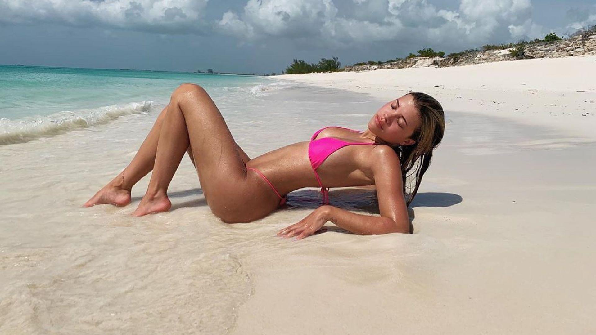 София Ричи показа секси форми и разкошен тен на Бахамите
