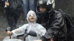 Небе и земя се сляха в Азия: 175 загинали и 7 млн. пострадали от мащабните наводнения