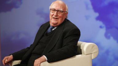 Почина писателят Андреа Камилери - бащата на комисар Монталбано