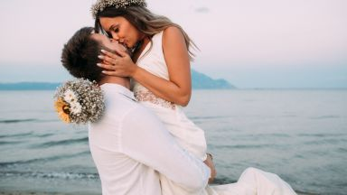 """""""Пещерска"""" ракия финансира сватбите на три двойки"""