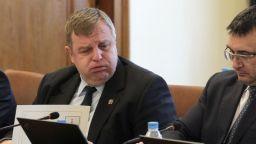 Каракачанов: Различни държави извършват шпионска дейност у нас