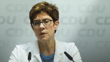 Анегрет Крамп-Каренбауер стана министър на отбраната на Германия