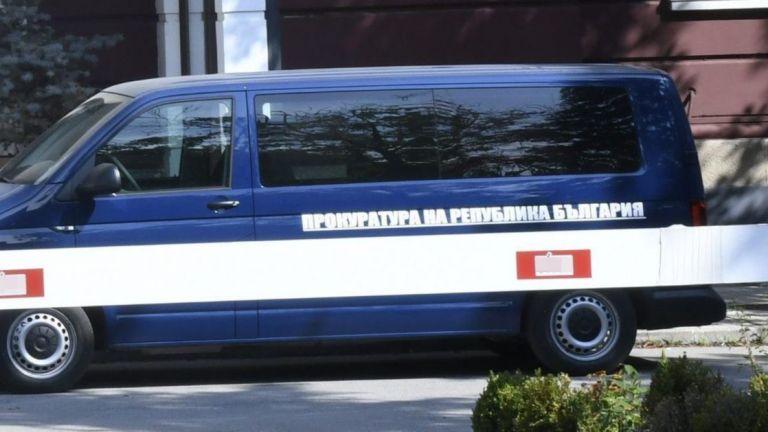 Спецпрокуратурата нахлу в жилища и офиси по сигнал за корупция при доставки за ВВС
