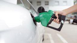 Бензинът и дизелът може да стигнат и до 3.50 лв. за литър до 2 г. заради климатичния план на ЕС