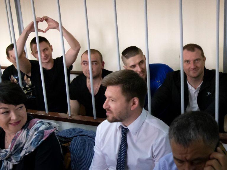 """ЕП призова Москва да освободи всички задържани украинци в Русия и във """"временно окупираните"""" земи"""