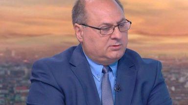 Евтим Костадинов: Синът ми не познава Миню Стайков и няма луксозен автомобил от него