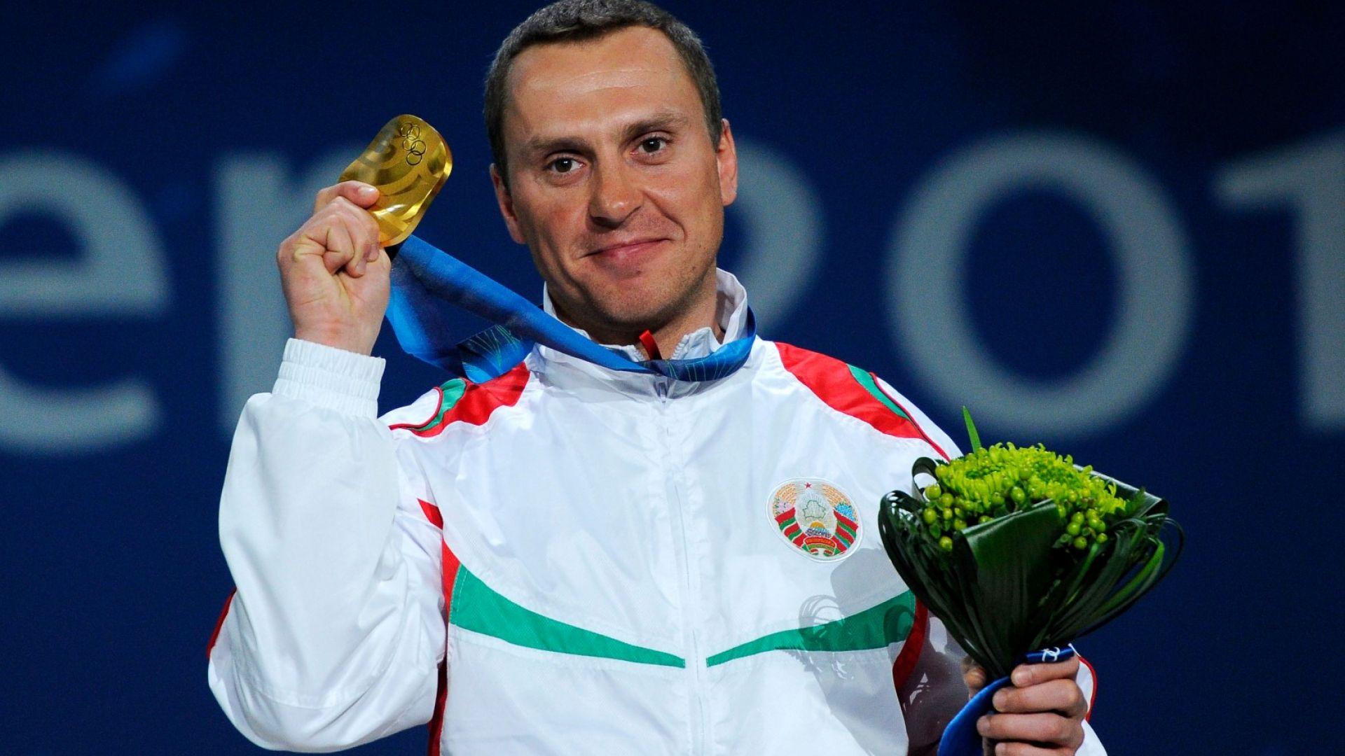 Олимпийски шампион продава медалите си, за да спаси приятел