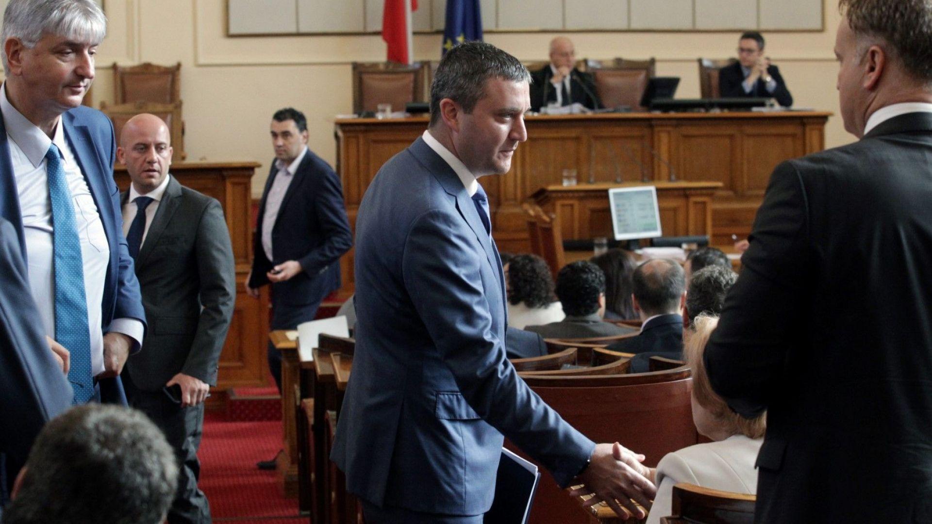 Владислав Горанов: Директорът на НАП е в отпуск, но едва ли си изкарва добре