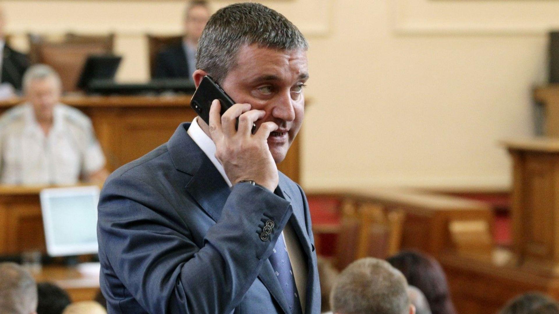 Горанов: Тази година няма да изпълним бюджетните приходи, но ще свием разходите